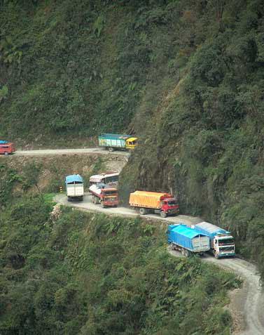 جاده مرگ، خطرناک ترین جاده جهان 164318 123