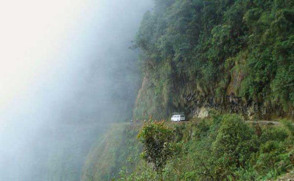 جاده مرگ، خطرناک ترین جاده جهان 164327 857