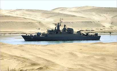 عبور ناو ایرانی از کانال سوئز