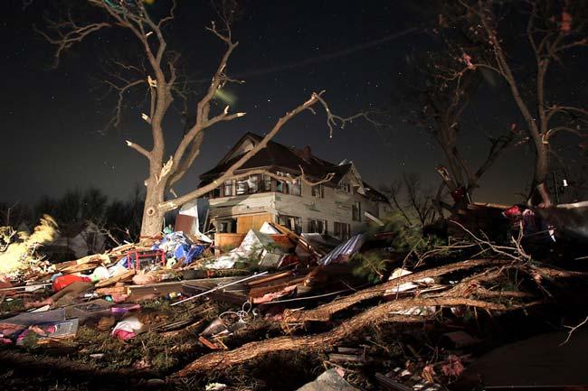 توفان در کانزاس