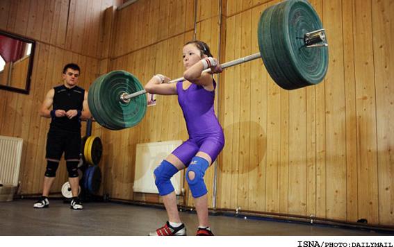 14 ساله قوی ترین وزنه بردار جهان عکس - 14