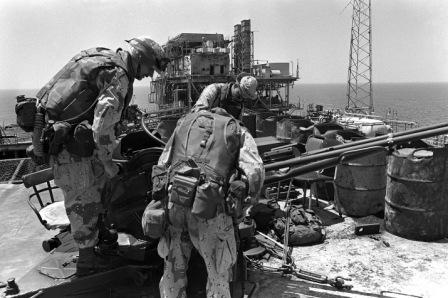 اسکله نفتی ایران در اشغال مهاجمان آمریکایی