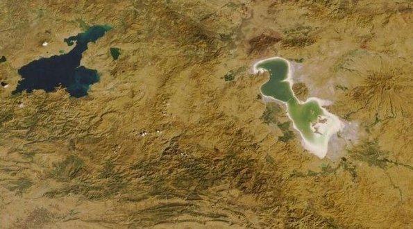 دریاچه ارومیه و وان