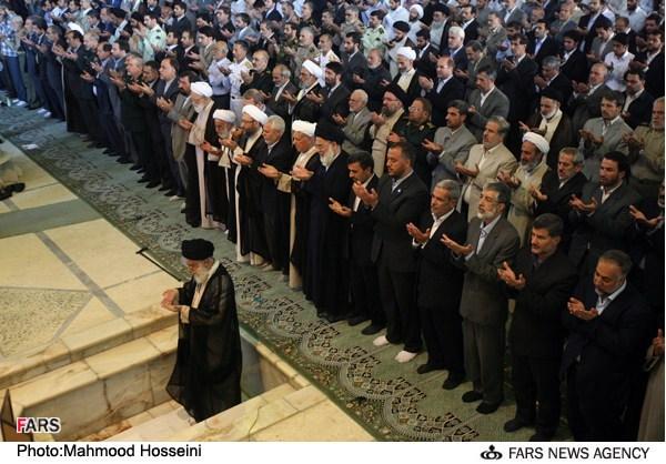 اقامه نماز عید فطر رهبر معظم انقلاب اسلامی حضرت آیت الله العظمی امام خامنه ای