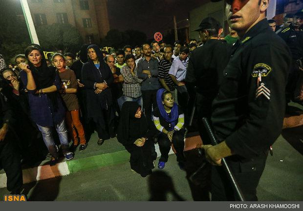 شعبه 2 اجرای کیفری اهواز حاشیه های یک اعدام/ لبخند تلخ عقرب سیاه قبل از اجرای حکم/ اعدام با طناب قرمز ( عکس)