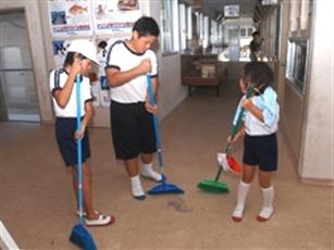 Image result for چگونه فرزند مسئولیت پذیر پرورش دهید؟