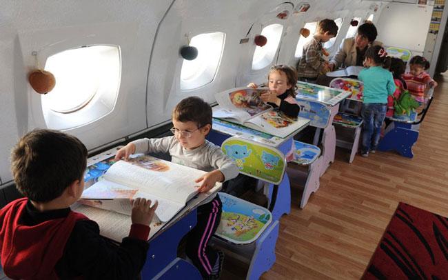 مهدکودک در هواپیما