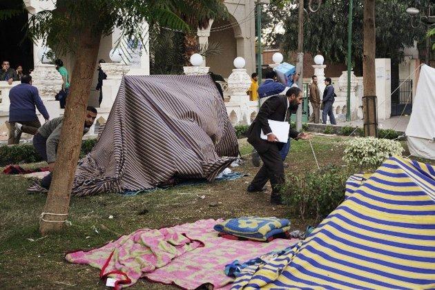 حمله نیروهای اخوان المسلیمن به چادرهای مخالفان مرسی