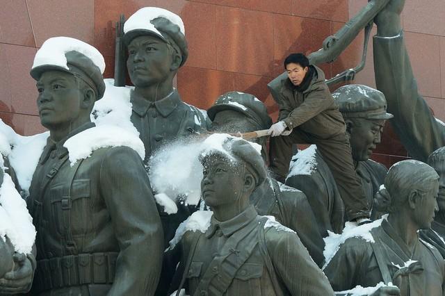 مجسمه های بنای یادبود در شهر پیونگ یانگ