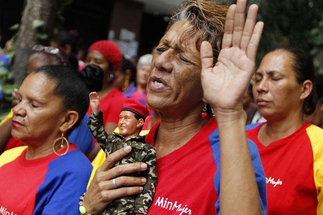 دعای هواداران چاوز