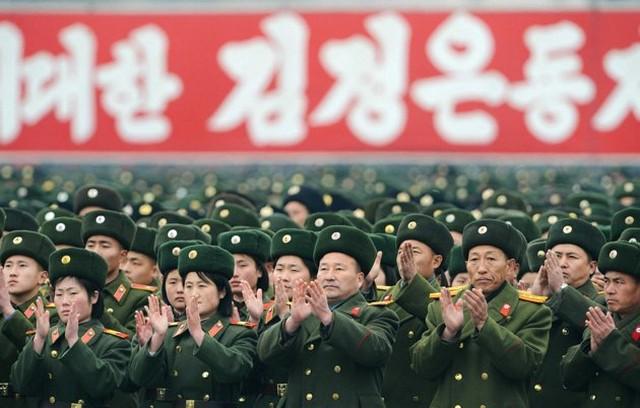 شادمانی مردم و ارتش کره شمالی
