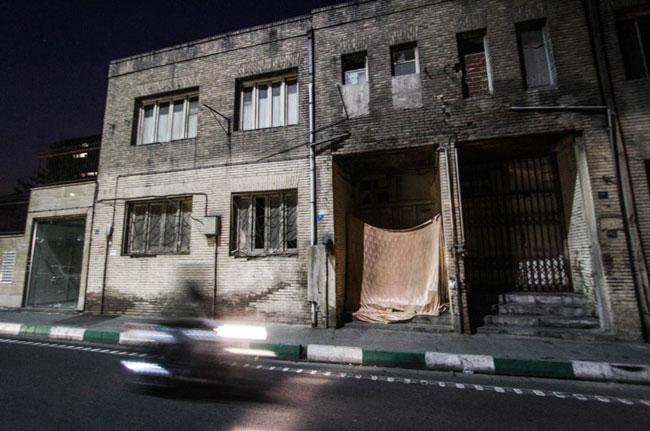 زیر پوست زیبای شهر، زندگی خیابانخوابی خانواده 3نفره درسرمای تهران (+عکس)