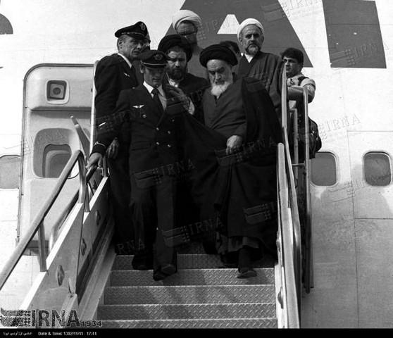 عکس امام خميني در ۱۲ بهمن