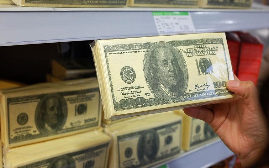 چینی ها دلار را دستمال کردند (+عکس)
