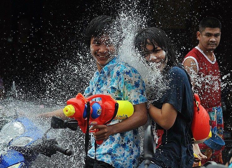 جشنواره آب بازی در تايلند (+عکس)