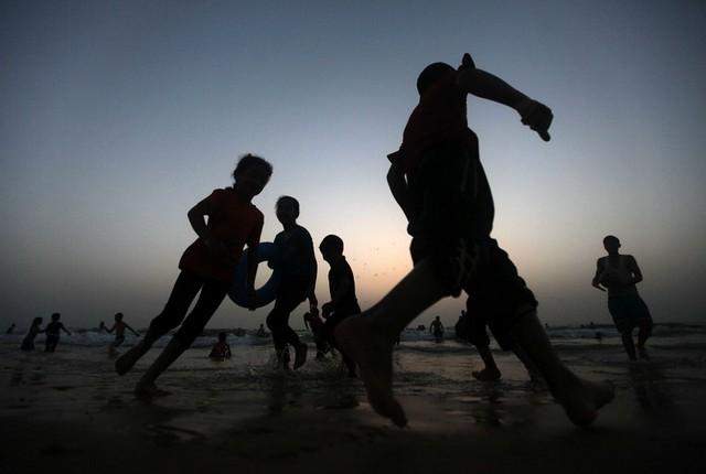 غروب ساحل غزه