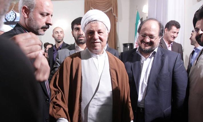 هاشمی پس از خداحافظی با اعضای ستادش (عکس)