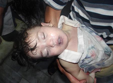 یکی از کودکان قربانی حمله شیمایی چهارشنبه در سوریه