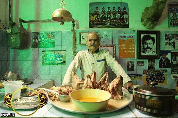 عکس اکبر عبدی در فیلم شاهگوش در کله پزی