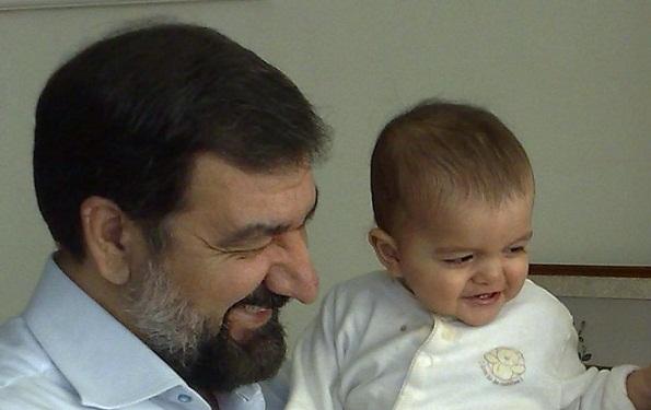 محسن رضایی و نوه اش