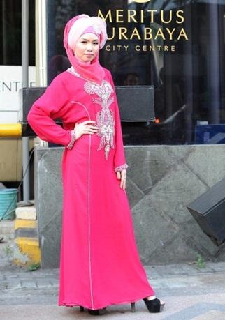 300607 119 - شو لباس زنان محجبه در اندونزی/ تصاویر
