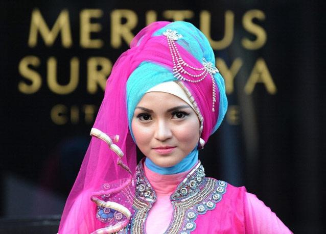 300614 450 - شو لباس زنان محجبه در اندونزی/ تصاویر