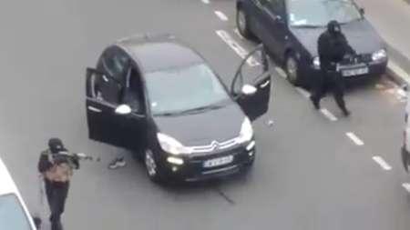 حمله تروریستی در قلب پاریس؛ 12 نفر کشته شدند/ کاریکاتور البغدادی ؛ علت احتمالی حمله به دفتر نشریه (+عکس)