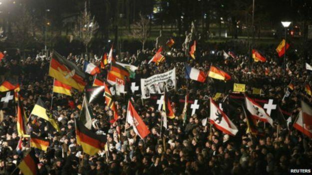 تظاهرات بزرگ پگیدا و منتقدانش در آلمان