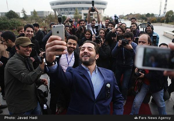 سلفی بهرام رادان در جشنواره فجر (عکس)