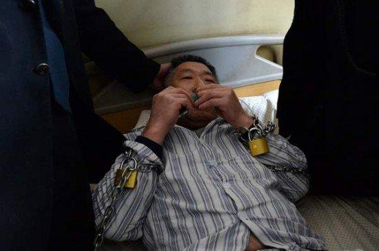 مردی که زورکی از بیمارستان مرخص شد