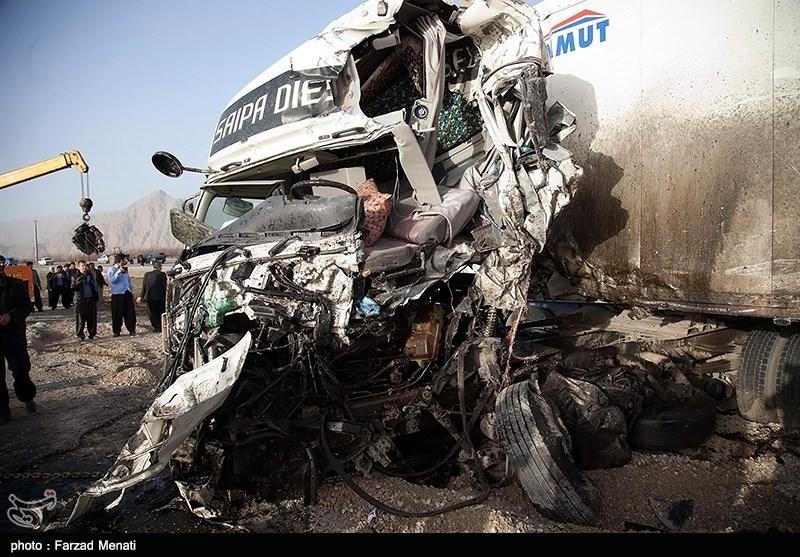 تصادف مهیب چهار کامیون در محور سنندج-کرمانشاه