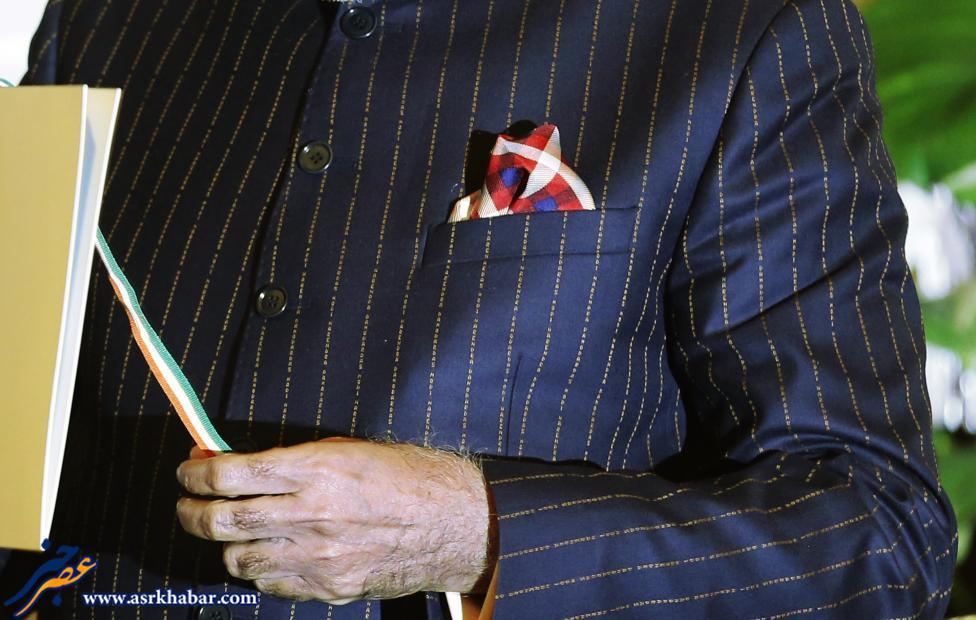 430706 482 لباس نخست وزیر هند دردسر شد
