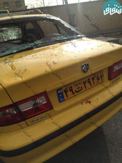 حمله گروه فشار به مطهری: زخمی شدن از ناحیه چشم/ شیشه خودرو شکسته شد/ محاصره 3 ساعته در کلانتری (+عکس)