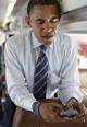 اوباما: حق ندارم از گوشی موبایل هوشمند استفاده کنم / مدت هاست رانندگی و آشپزی نکرده ام