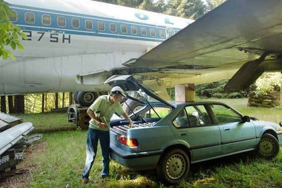 زندگی یک خانواده در هواپیما (عکس)