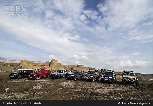 آفرود در کویر مرنجاب اصفهان (عکس)