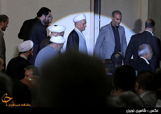 هاشمی رفسنجانی در میان هاله نور (+عکس)