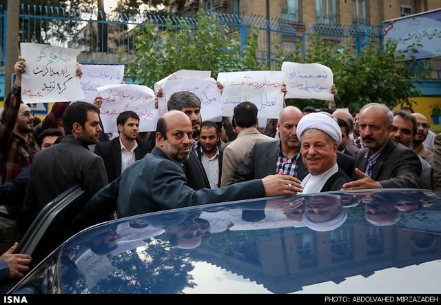 بازدید هاشمی رفسنجانی از دانشگاه امیرکبیر (عکس)