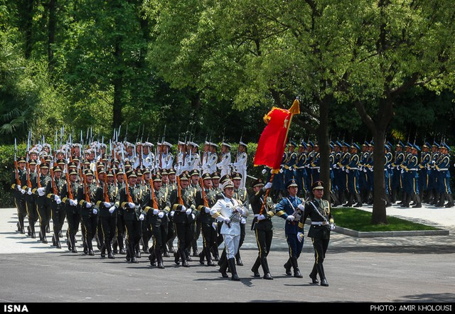 مراسم استقبال رسمی از روحانی در چین (عکس)