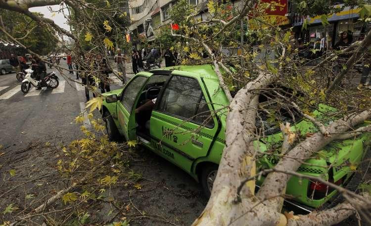 طوفان تهران را ویران کرد (عکس)