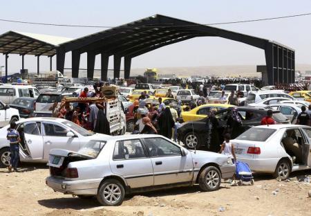 اشغال موصل و ادامه پیشروی تروریست ها در عراق: بخش هایی از استان های کرکوک و صلاح الدین هم به دست داعش افتاد/ آماده باش در کربلا / نبرد در تکریت/پرواز داعش با هلی کوپترهای غنیمتی