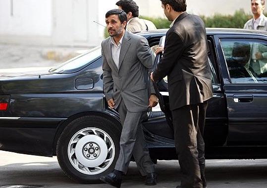 خودروها را از احمدی نژاد نگیرید!