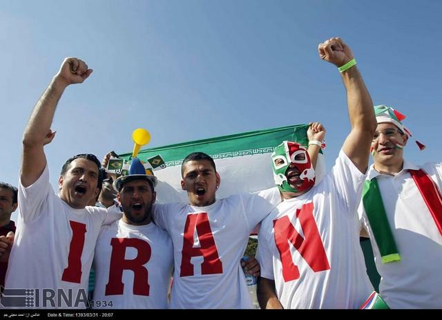 تماشاگران بازی ایران - آرژانتین (عکس)