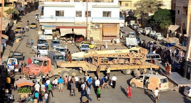 رژه داعش با موشک های اسکاد و تانک های T55 (+عکس)