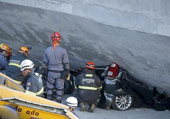 ریزش مرگبار پل در برزیل (+عکس)