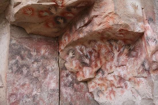 یک غار مرموز و عجیب در آرژانتین (عکس)