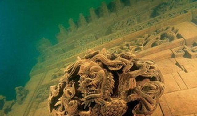 شهر شیرها شهری فرو رفته در اعماق دریا (+عکس)
