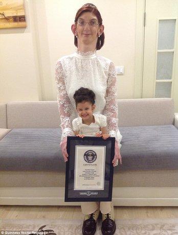 بلندقدترین دختر نوجوان جهان رکورد زد (+عکس)