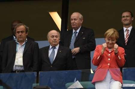 لحظه گل تیم آلمان و واکنش خانم صدر اعظم(عکس)