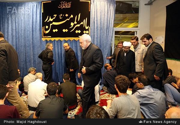 ظریف و تیم مذاکره کننده هستهای در مراسم شب قدر در وین (+عکس)